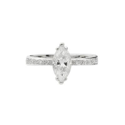 Diamond solitaire in 18 carat white gold.