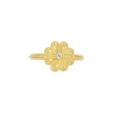Yellow gold 18 carat ring with a diamond
