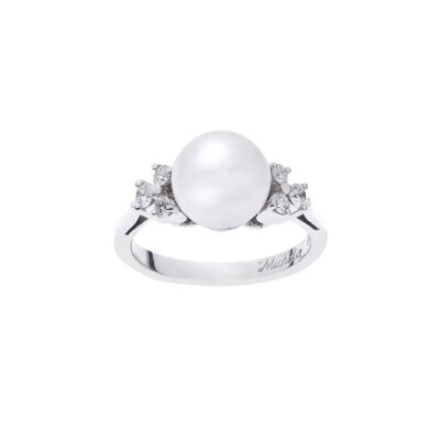 Pearl and diamond ring 18 carat white gold.