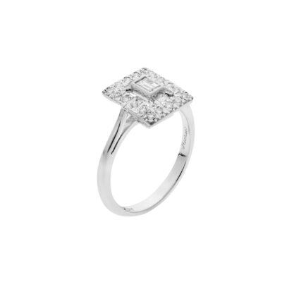 Baguette diamond solitaire ring