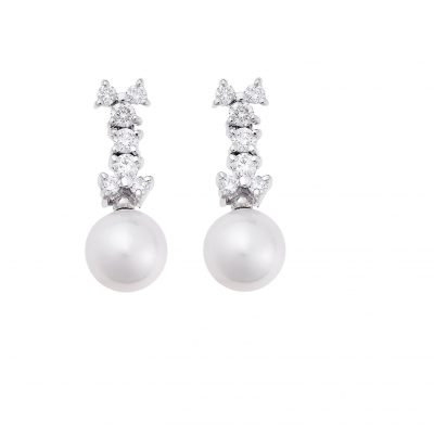 Diamond and pearl drop earrings in 18 carat white gold.