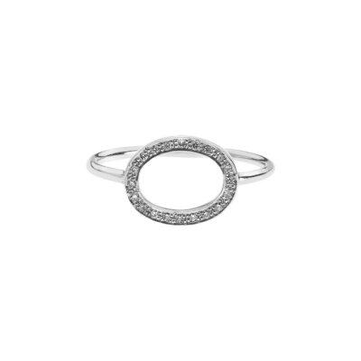 Oval diamond ring k18 white gold.